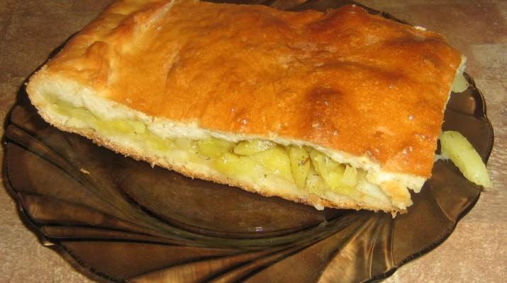 Простой пирог с картошкой и луком рецепт с фото