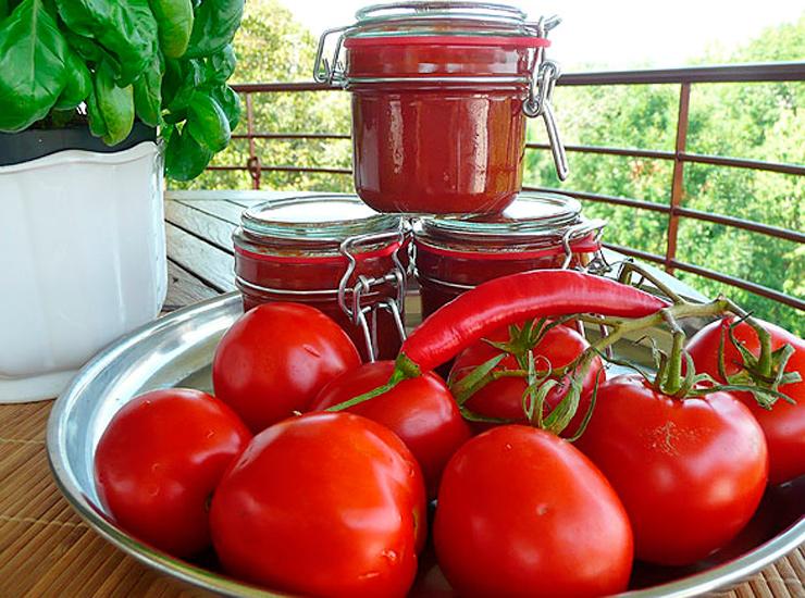 Рецепт в домашних условиях из помидоров на зиму