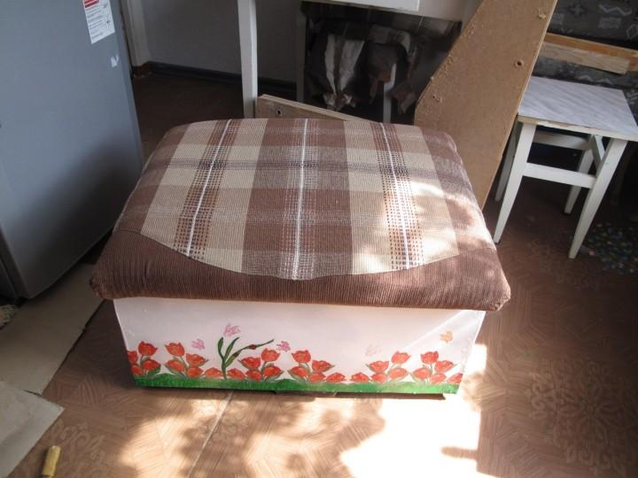 Ящик пуф на балкон
