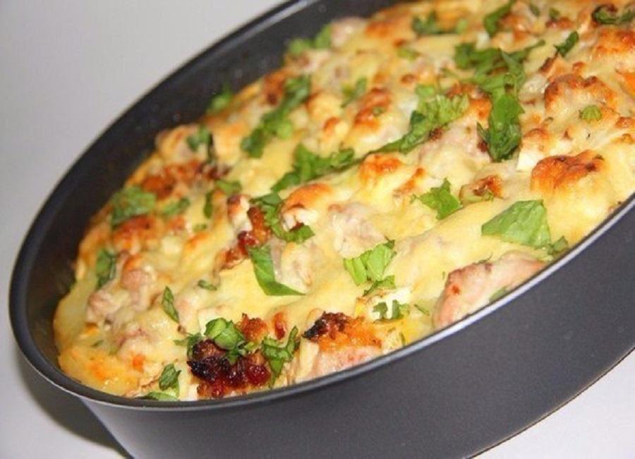 Запеканка с курицей и тертой картошкой в духовке рецепт