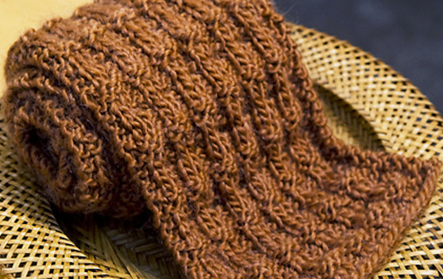 Разные варианты вязания спицами твидовых узоров…